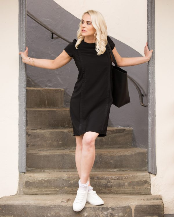 Meet our classic June dress. This flattering shift style dress is a timeless and versatile look for so many occasions. Featuring our unique breastfeeding access design.