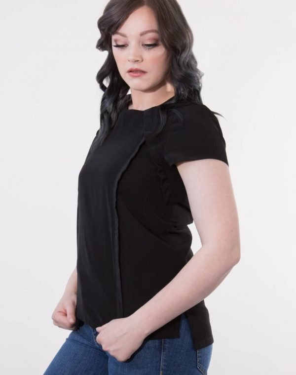 You would never know that Louise is a breastfeeding top. Perfect for a range of occasions, this top is a staple for your breastfeeding wardrobe.